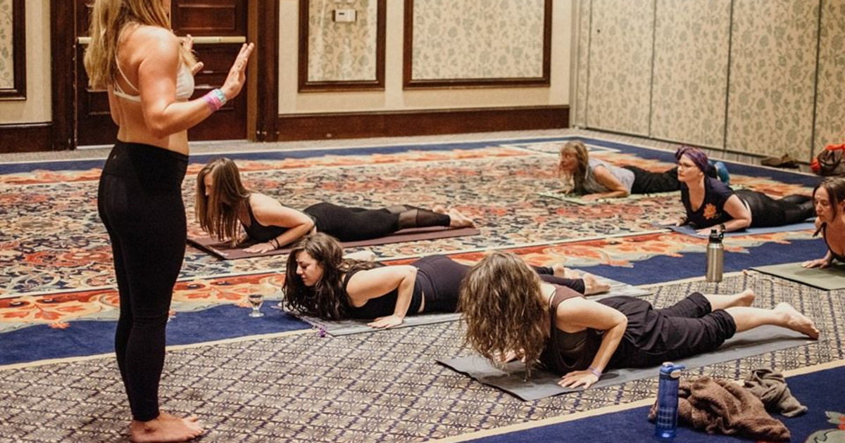 Yoga In The Gallery - Yin Love Yoga Series for Beginners in