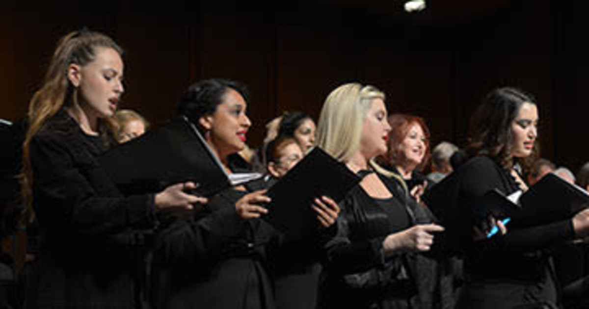 """SMC Concert Chorale & SMC Chamber Choir: """"Home for the Holidays?"""""""