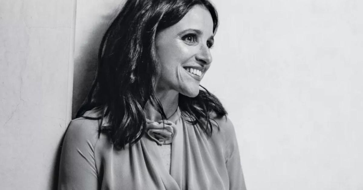 211 | Julia Louis-Dreyfus at Northwestern University